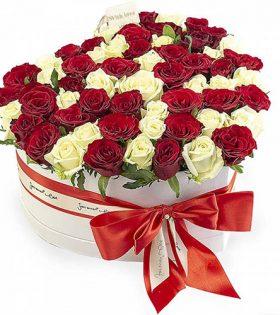 51 роза сердце в специальной коробке товар