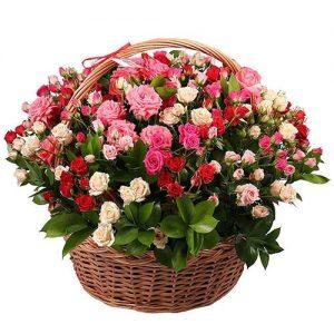 Фото товара 101 кустовая роза в корзине